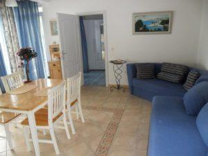 ap2-2-1bedroom-2-4-pax-40m2-balcony-seafront_322_2