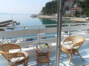 ap2-2-1bedroom-2-4-pax-40m2-balcony-seafront_322_6