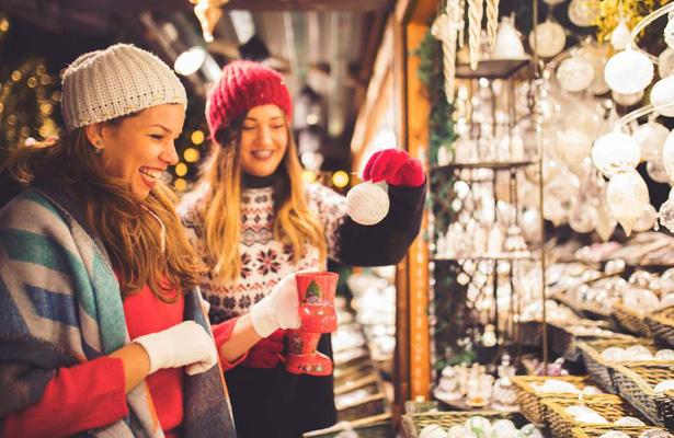 christmas-market-lara-tour